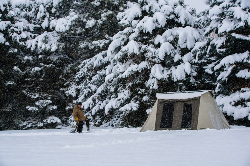 Venture into snowy landscapes with your Kodiak cabin tent!