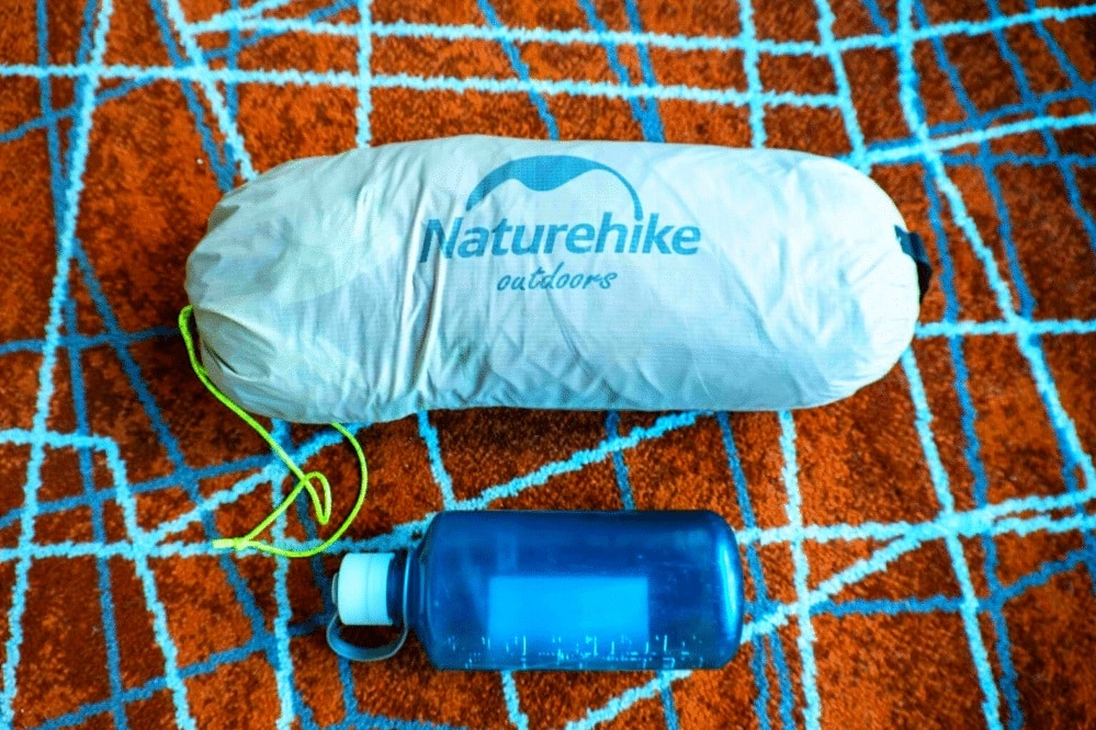 The great low weight NatureHike Cloud-Up 2 Carry Bag to keep a hold of your backpacking gear